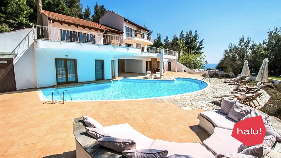 Hera luxurious villa with pool and sea view in Sani